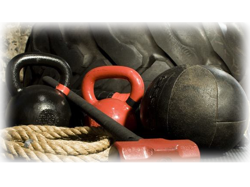 Bootcamp Workout Classes with Kettlebells and Battle Ropes